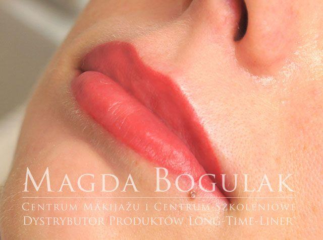 Makijaż permanentny ust Więcej o makijażu permanentnym ust: http://sharley.pl/oferta/makijaz-permanentny/makijaz-permanentny-ust/