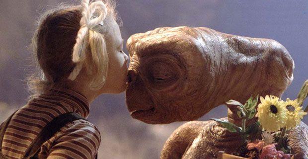 E.T. the Extra-Terrestrial (E.T. - O Extraterrestre) [1982] - Steven Spielberg