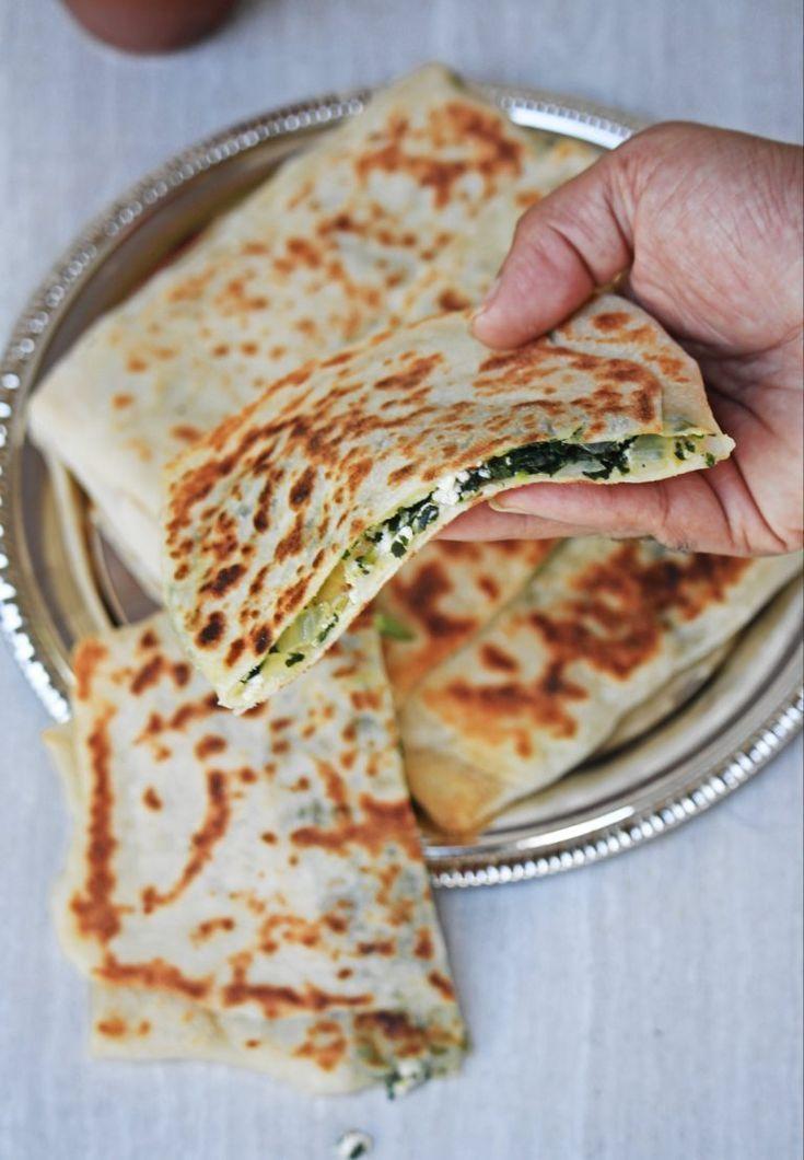 Gozleme   Focaccia con spinaci e feta turchi