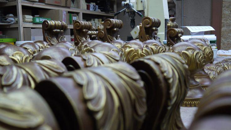 Кронштейны из полимера, полиуретана. Резной декор из древесной пасты, древесной пульпы, полимера, полиуретана, ППУ, МДФ, прессованный декор, декор из массива, декор из дерева