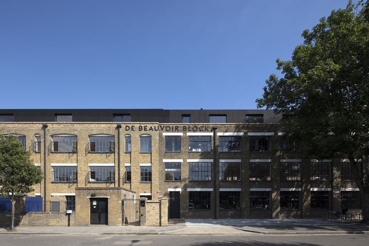 De Beauvoir Block / Henley Halebrown LoanTin by CuongDC