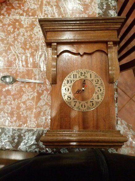 style antique clock