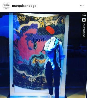 Stanchi del solito regalo?  Da Buzzi Lario scegli le ns stole!!!  In vetrina #marilynmonroe!!! #scarves #stole #shopping #store #love #stage #cult #nice #day #gift #blogger #blog #fashion #fashionaddict #glamour #cool #woman #instalike #like4like #picoftheday #photography