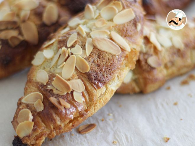 Receta Postre : Croissants de almendras crujientes por Petitchef_oficial