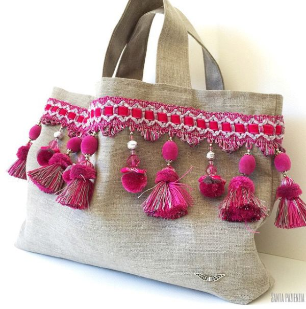 Good idea to decorate a simple bag