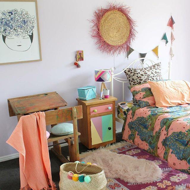 Eclectic kid's room with Olli and Ella toy baskets that you can find at the @raggedyeve webshop   #kidsinteriors_com - - - - -  @saral0zz #kidsinteriors #kidsinterior #kidsroom #childrensroom #barnrum #kidsdecor #decorforkids #barnerom #kidsroominspo #kinderkamer #kinderzimmer #chambreenfant #girlsroom #kidsinteriordesign #kids #chambrefille #girlsbedroom
