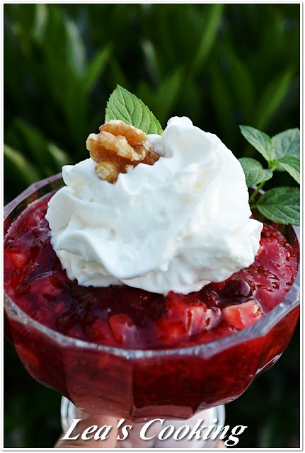 """Lea's Cooking: """"Thanksgiving Cranberry Jello Salad""""    http://leascooking.blogspot.com/2012/11/thanksgiving-cranberry-jello-salad.html?utm_source=BP_recent#"""