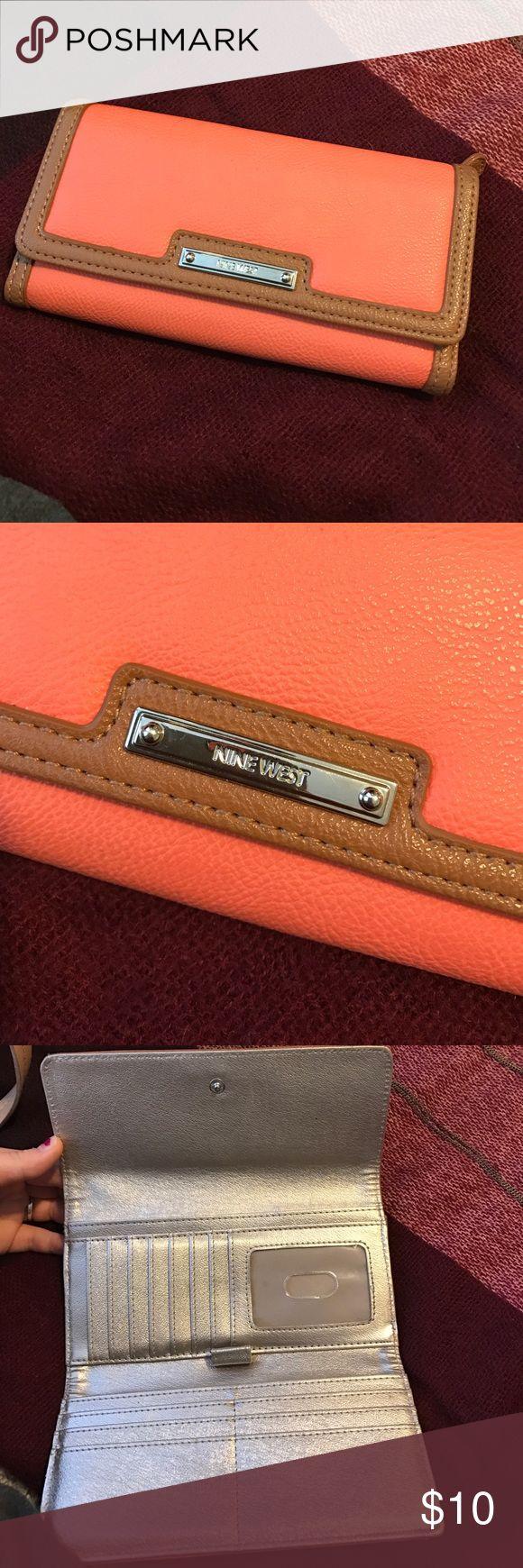 Nine West orange wallet Wallet perfect condition Accessories