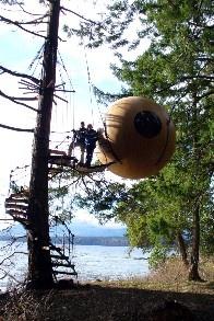 Aussergewöhnliche Übernachtung, Free Spirit Spheres, Kugel am See