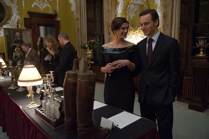H Τιμωρός. Michael Fassbender & Gina Karano