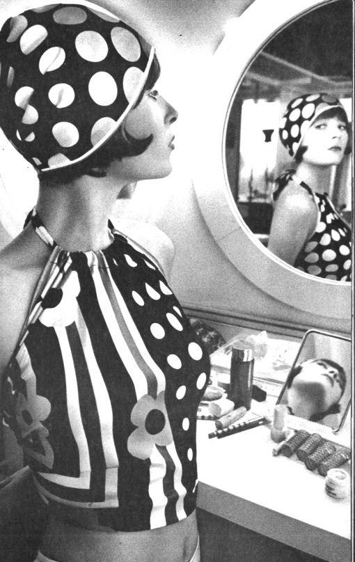 : Fashion, Italian Vogue, Halter Tops, Sieff Vogue, Polkadot, Vintage, 1970S Polka Dots, Jeanloup Sieff, Photo