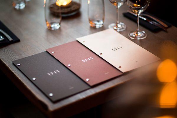 """Um belo exemplo de identidade feito pelos designersTom Emil Olsen,Christoffer MeyereKnut Harald Longva. O nome UNA significa """"juntos"""" ou """"em um"""", seguindo o conceito de …"""