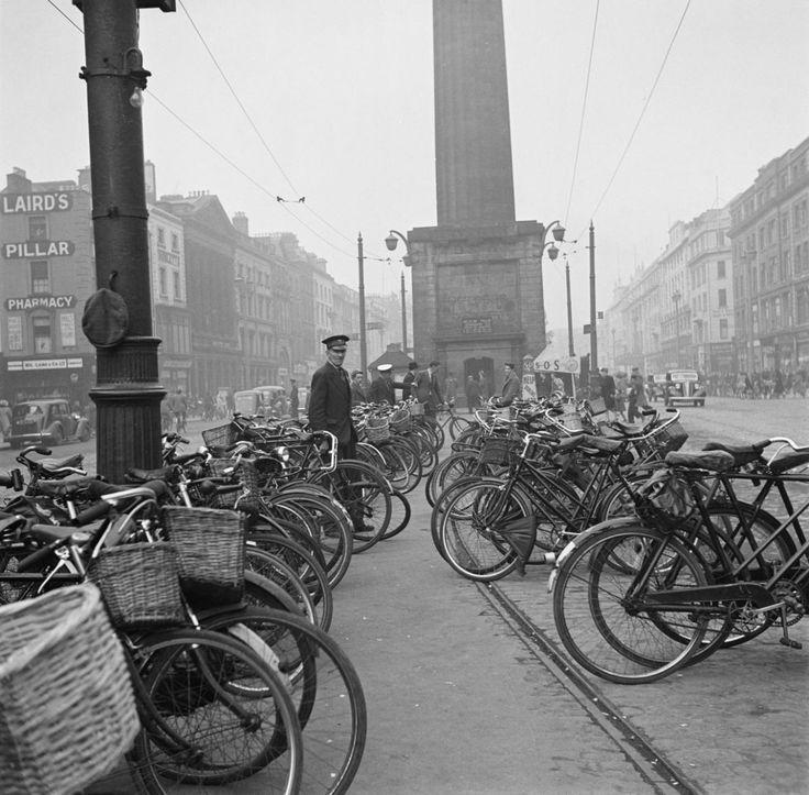 Fadó Fadó: Irish Memory: Old Dublin Photographs (1946)