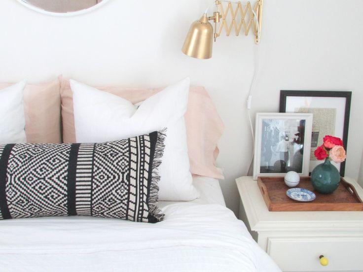 Lumbar Pillow DIY from a Table Runner   Francois et Moi