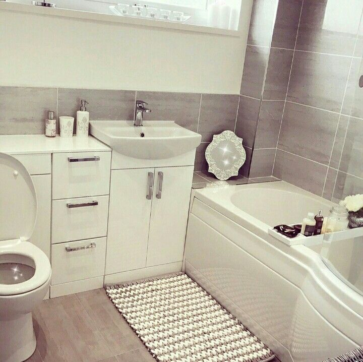 Best 25 Gray Bathroom Paint Ideas On Pinterest: 17 Best Ideas About Small Grey Bathrooms On Pinterest