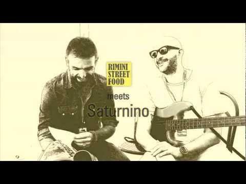 "Rimini Street Food intervista Saturnino, il ""sensational bassplayer"" di Jovanotti nel backstage di Italy Loves Emilia a Campovolo 2012.  Rimini Street Food: http://youtu.be/Q-1M8I1QpTM"