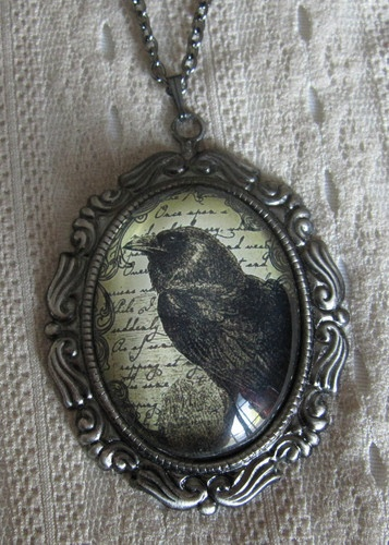 VICTORIAN Medieval RAVEN Crow Goth Glass CAMEO necklace/PENDANT HALLOWEEN