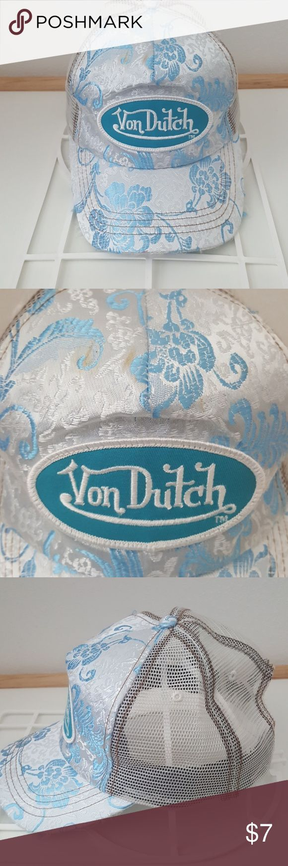 Von Dutch Hat Tricker hat. The back is mesh. Small stains on top but could probably be removed. Von Dutch Accessories Hats