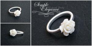 Inel trandafir alb