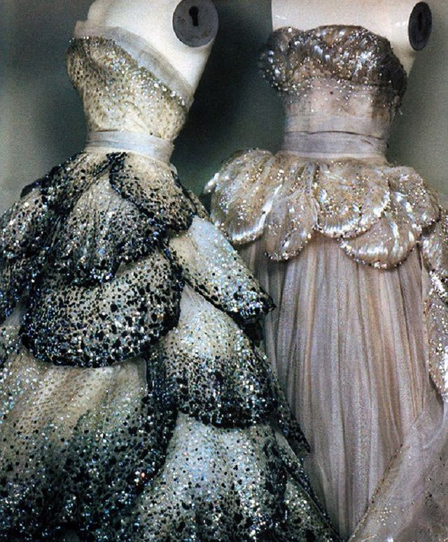 Dior (sparkles........it's preeeeeeetttty.....)