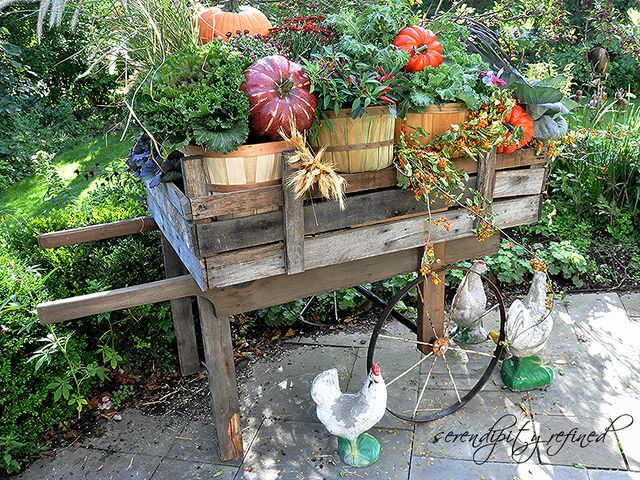 Harvest cart: Reclaimed Pallets, Harvest Carts, Woods Harvest, Serendipity Refin, Iron Wheels, Decoration Idea, Wooden Pallets, Pallets Woods, Pallets Boards