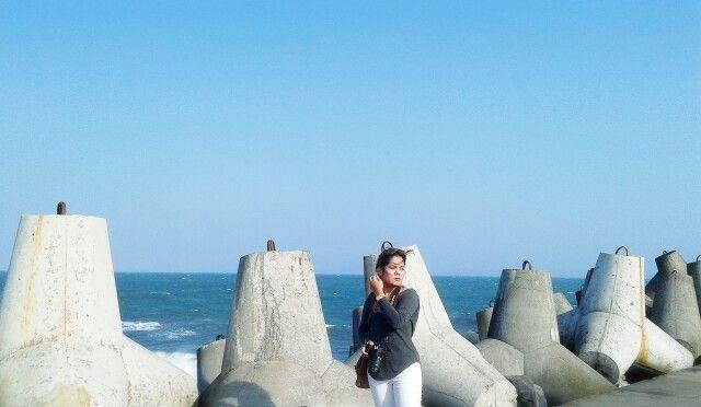 "Tetrapod. Sea. Camera - Glagah Beach, Kulon Progo, Yogyakarta, Indonesia. ""Indonesia itu indah"""