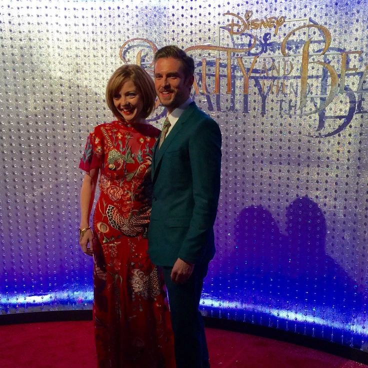 The Beast!!! Dan Stevens (@thatdanstevens) and his wife, Susie, are on the red carpet now. #BeautyAndTheBeast #BeOurGuest