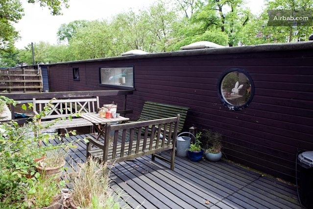 Airbnb boat house amsterdam 408inc blog for Airbnb amsterdam houseboat