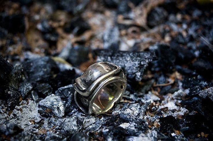 Ezüst gyűrű. Szilas Judit, ötvös. Egyedi ékszerkészítés. Mail.:szilasjudit@gmail.com , www.szilasjudit.hu