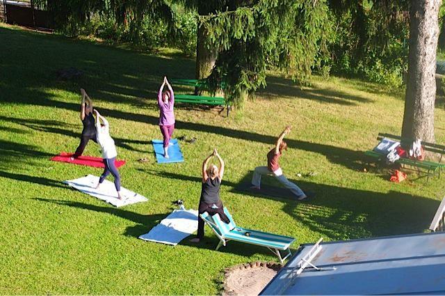 Mit Yoga in den Tag