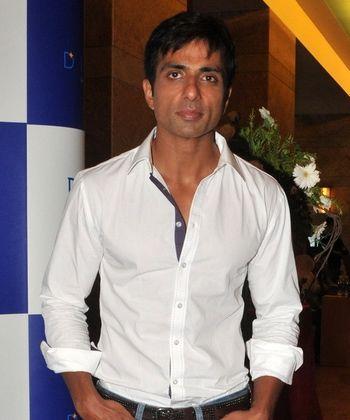 Sonu Sood talks of the rift rumor with Salman!