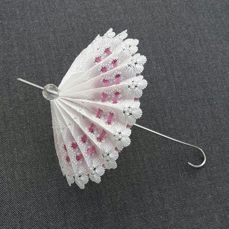 Parasol gemaakt van perkamentpapier.