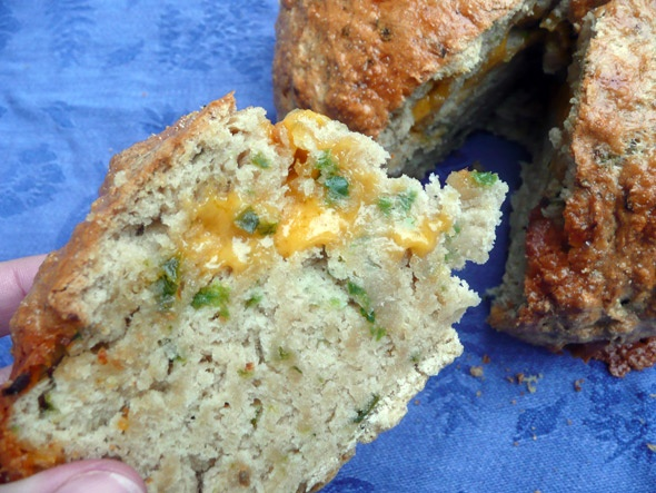 Hoppin' Jalapeno Cheddar Beer Bread: Cheddar Beer, Jalapeno Cheddar, Food Ideas, Bake, Food Breads, Beer Bread, Brown Color, Favorite Recipes, Oozing Cheese