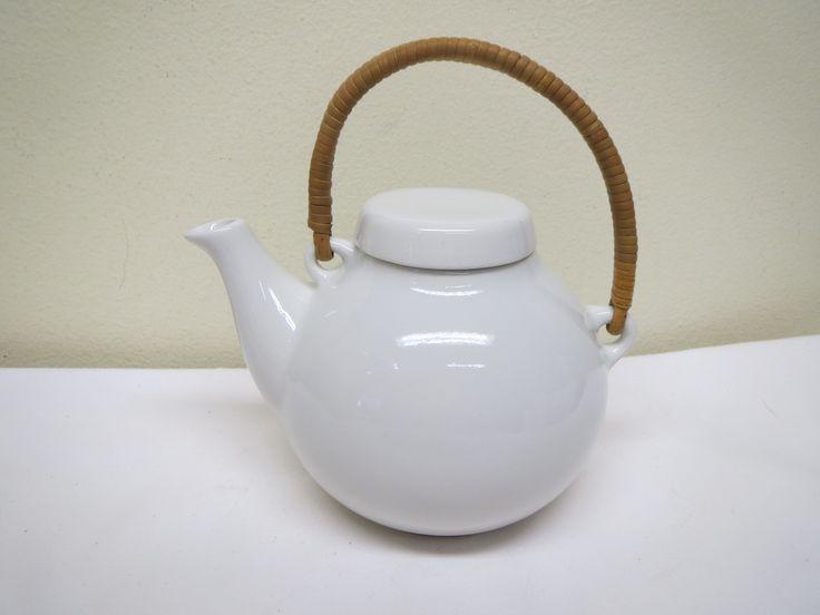 Arabia, Ulla Procope, pieni teekannu, vetoisuus 7 dl.  MYYTY.
