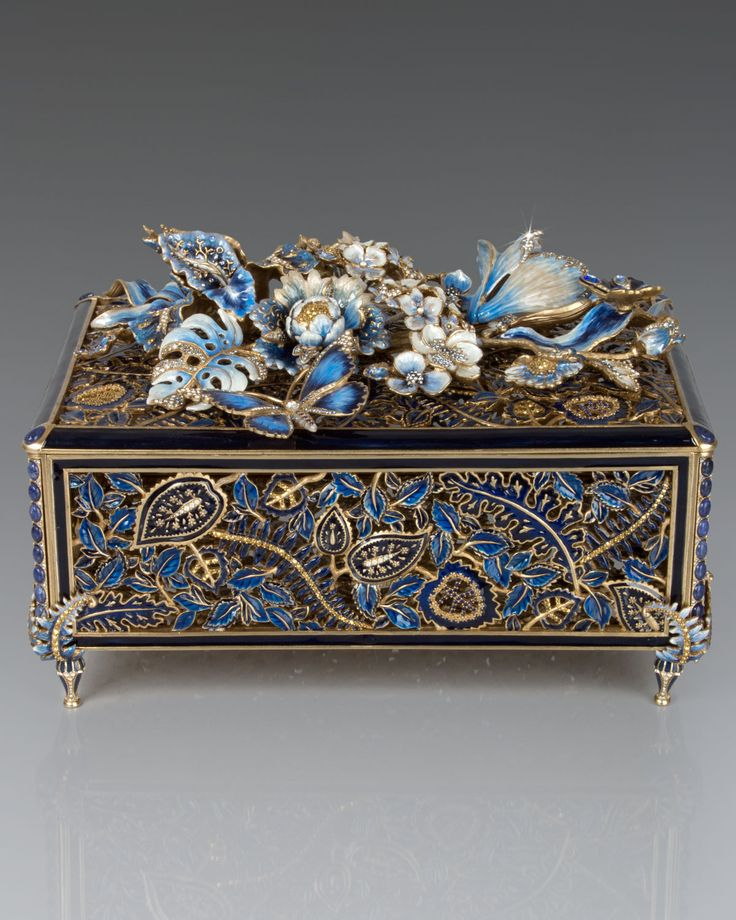 Genevieve Grand Floral Chest