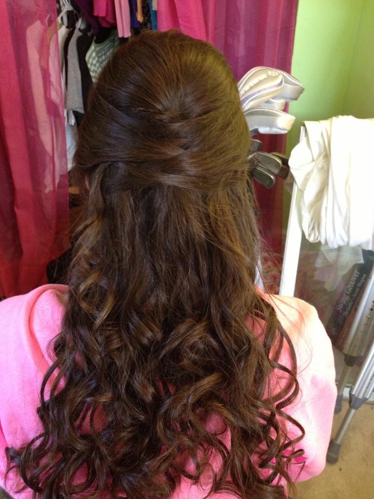 Haircut Styles For Long Thin Hair: Half Updo For Long Hair