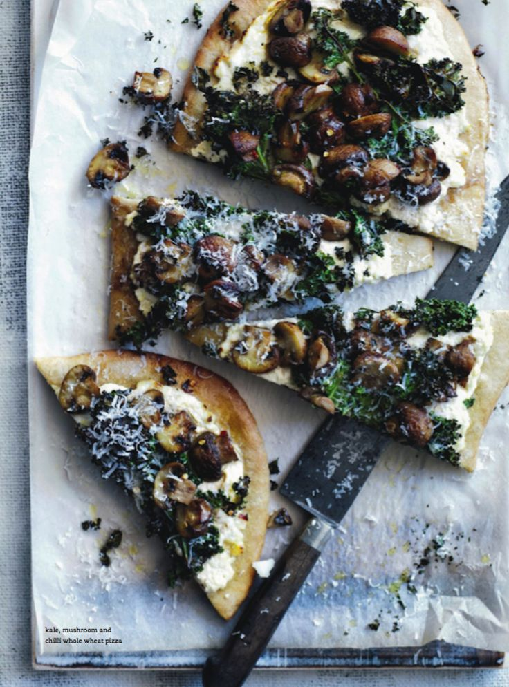 kale, mushroom and chilli whole wheat pizza.  donna hay mag jan 2014