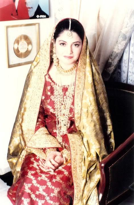 nazia hassan-her dress