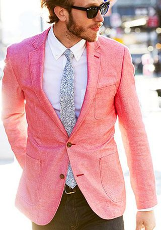 テーラードジャケットの着こなし・コーディネート一覧【メンズ ... ピンク色のテーラードジャケットの着こなし