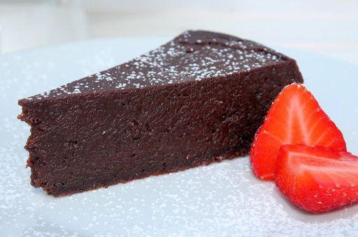La tarta de chocolate más buena del mundo - http://www.mytaste.es/r/la-tarta-de-chocolate-m%C3%A1s-buena-del-mundo-24139791.html