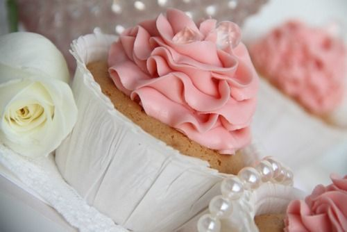 Passion 4 baking » Tequila Rose® strawberry cream cupcake on we heart it / visual bookmark #14175849