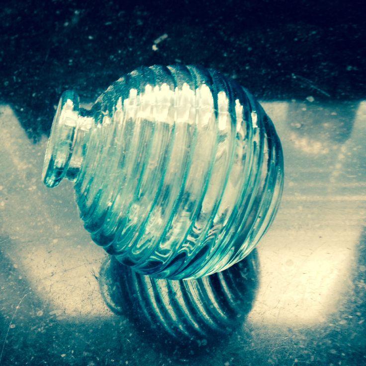 Turquaise rond glazen vaasje