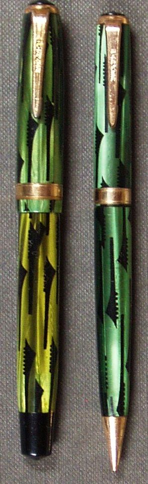 PARKER Duofold SET in green toothbrush pattern with gold filled trim.  Smaller version.  Imprints are good.  Barrel on pen is darker than cap.  Some brassing on trim.  Correct 14k Fine nib.