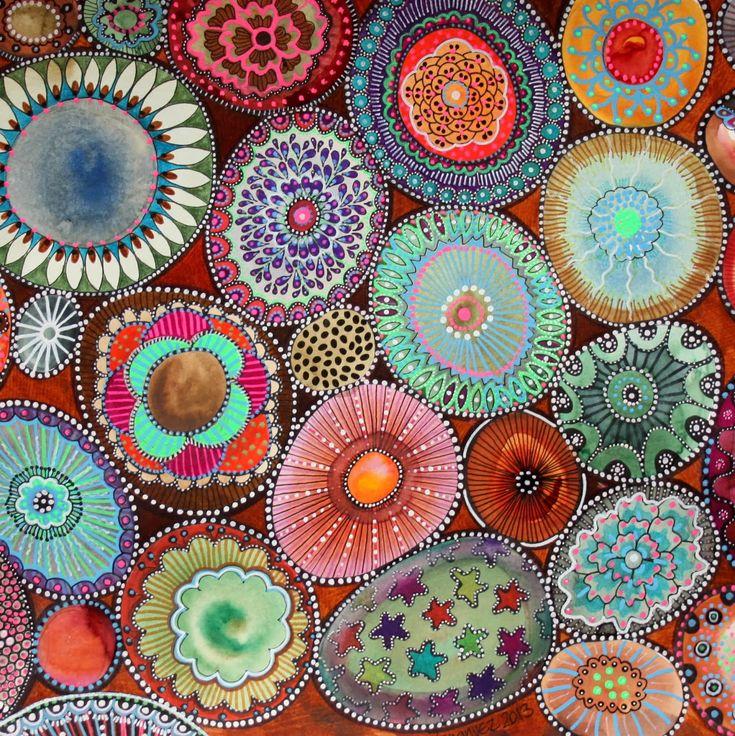 bicocacolors.  Pintar pedres motricitat fina- cercles + rotuladors