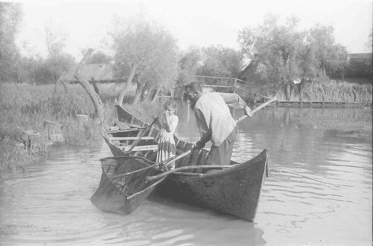 Судя по номеру лодки,это еще румынское время-где-то 30-е годы. А как сегодня.