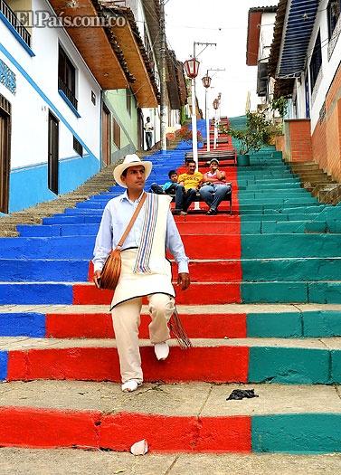 En Argelia, norte del Valle, Colombia, aún se conserva el oficio de la arriería.