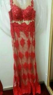 Elegantes Abendkleid mit viel Spitze in Rot Creme! in Frankfurt (Main) - Innenstadt | eBay Kleinanzeigen