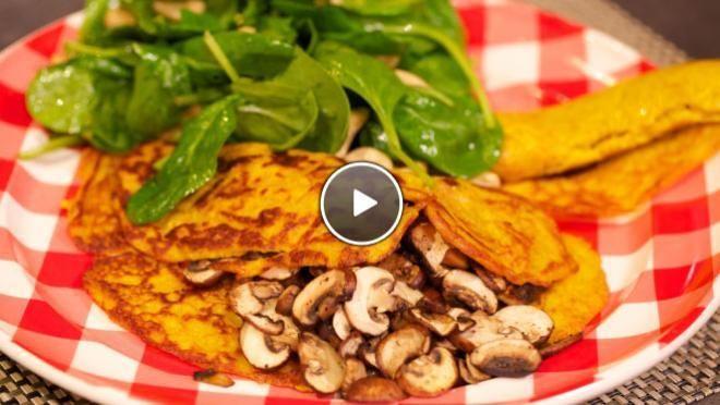 Hartige pompoenpannenkoeken - recept   24Kitchen - Wel met kruiden erdoor