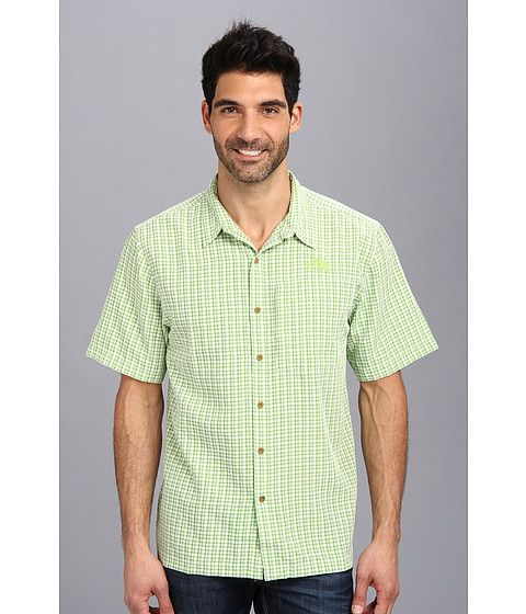 Get the rugged protection you need on your next trek with this highly durable, stretch woven shirt that sports a casual button-down design.