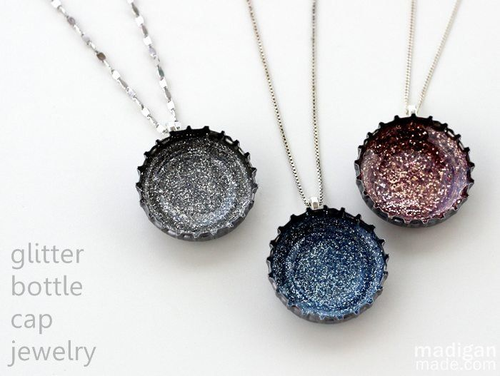 133 best diy jewelry images on pinterest craft bangle bracelets diva tube diy glitter necklaces from bottle caps recycled jewelry solutioingenieria Image collections